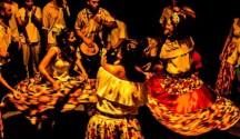 O coletivo cearense Tambor de Crioula Filhos do Sol encerra a primeira noite de programação, às 21 horas, trazendo seu toque e dança de origem africana em louvor a São Benedito